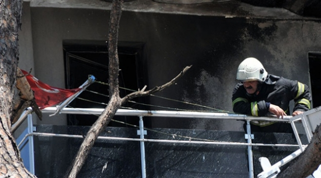 Kepez'de Şaşırtan Olay! Türk Bayrağı Zarar Görmedi!