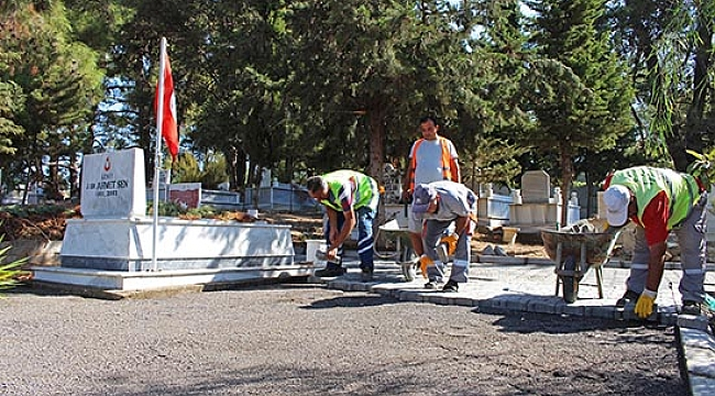 Şehit Mezarlarına Sahip Çıkılıyor